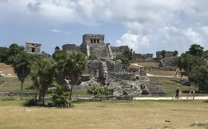 tulum_archeological_site_beach_cancun_tulum_malories_adventures_malorie_mackey_main